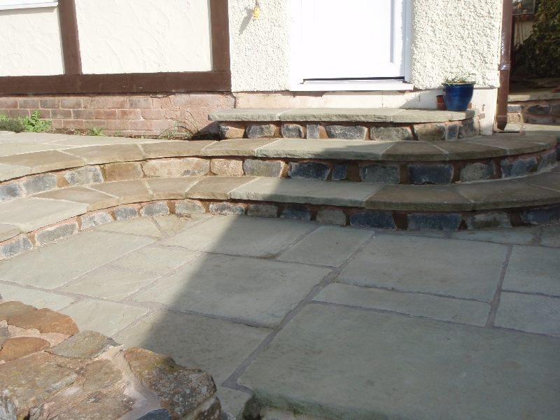 Hard Landscaping - Curved paving and curved steps